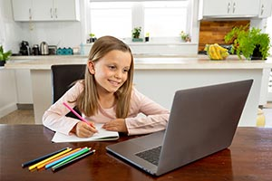 child using Online learning platform